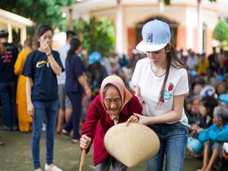 Bận rộn đến thiếu ngủ, Lý Nhã Kỳ vẫn dành thời gian làm từ thiện
