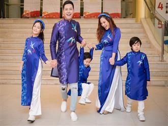 MC Phan Anh cùng vợ và 3 con lên sân khấu trình diễn áo dài