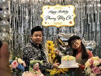 Phương Mỹ Chi tổ chức sinh nhật bên cha nuôi Quang Lê và gia đình