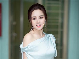 Vy Oanh tiết lộ nội dung đơn kiện nữ đại gia 50 tuổi, nhân tiện kiện thêm một nhân vật khác khiến ai cũng bất ngờ