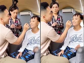 Cư dân mạng 'đào' lại clip Phi Nhung 'hỏi nhỏ' Hồ Văn Cường việc lấy tiền khán giả cho để làm từ thiện, phản ứng của giọng ca nhí gây bất ngờ