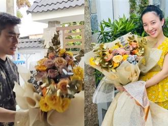 Dương Lâm tặng hoa cho Quỳnh Quỳnh, tủm tỉm hứa gì mà dân mạng ùa vào xúi: 'Kiếm thêm đứa nữa!'