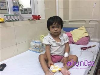 Bé gái 3 tuổi mồ côi mẹ, mắc bệnh ung thư tủy không tiền chữa trị: 'Cháu nhớ nhà, nhớ anh lắm'