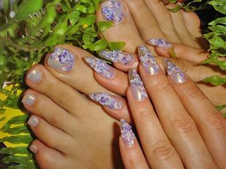 Những mẫu vẽ móng chân đẹp nhất khiến chị em mê mẩn diện ngày Tết