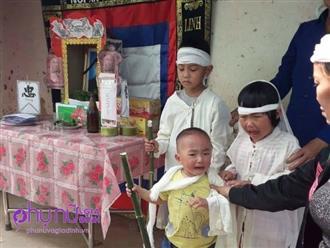 Xót xa: Mẹ đi giúp việc ở nước ngoài, 3 đứa trẻ khóc lạc giọng bên bàn thờ người cha vừa đột ngột qua đời