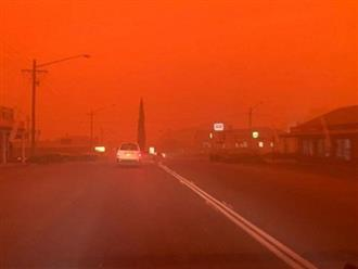 Bầu trời nước Úc đỏ như máu trong ngày thảm họa cháy rừng