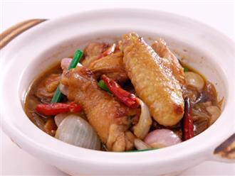 Đừng luộc hay rán nữa, gà làm theo cách này sẽ có món ăn đậm đà khó quên!