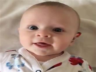 Cảm động khoảnh khắc bé trai khiếm thính nghe được giọng mẹ