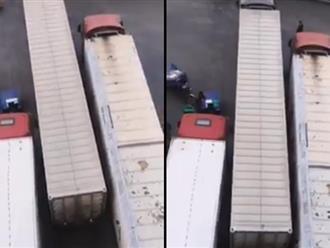 Cú lùi xe điệu nghệ của tài xế container khiến ai cũng phải trầm trồ