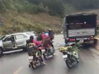 Đang dừng xe vì tai nạn, 3 mẹ con suýt mất mạng dưới bánh xe tải
