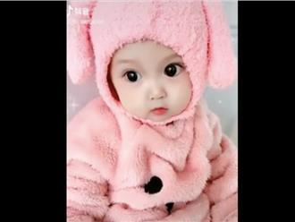 Em bé sở hữu khuôn mặt xinh như thiên thần khiến dân mạng bấn loạn