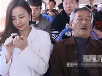Clip hài hước: Khi người già 'đãng trí' đi xe buýt