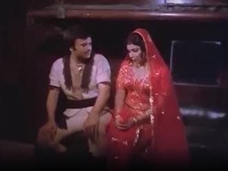 Khoảnh khắc 'khó đỡ' trong phim kinh dị Ấn Độ khiến người xem cười ná thở