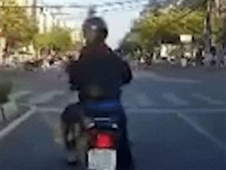 Lạng lách trước đầu ô tô, tài xế xe máy bị đánh 'ba má nhận không ra'