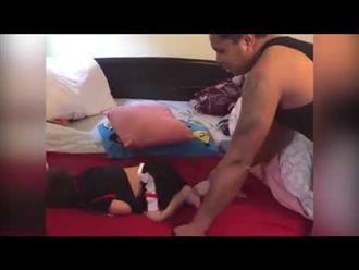 Cười xỉu cảnh ông bố vật vã khi gọi con gái cưng dậy vào buổi sáng