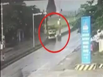 Tài xế cho xe đầu kéo chạy ngược chiều suýt gây tai nạn, thái độ còn gây tranh cãi hơn