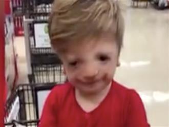 Xúc động khoảnh khắc cậu bé khiếm thính lần đầu bày tỏ tình yêu với mẹ bằng ngôn ngữ ký hiệu