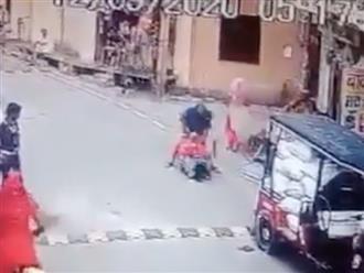 Bà mẹ bị đánh dã man ngay giữa đường vì ngăn kẻ xấu xâm hại con gái, danh tính nghi phạm gây bức xúc