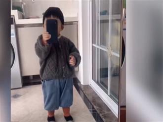 Bé trai khiến dân tình mê mẩn vì tự tin quay vlog, dân mạng dự đoán 'siêu sao' tương lai
