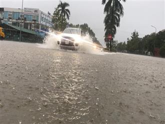 Cận cảnh thành phố Vinh ngập sâu trong biển nước sau nhiều ngày mưa lớn