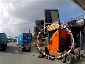 Kinh hoàng khoảnh khắc container tông 7 xe máy chờ đèn đỏ tại Hải Phòng khiến nhiều người nhập viện