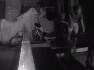 Lén đặt camera trong nhà rồi tắt đèn, sự xuất hiện của 'nhân vật lạ' giữa đêm khiến ai cũng thót tim