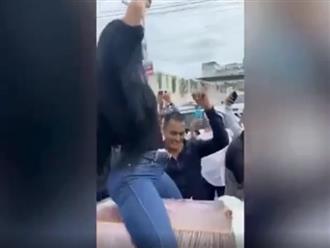 Người phụ nữ ngồi lên quan tài lắc lư, nhảy nhót sexy bị dân mạng 'ném đá' không thương tiếc