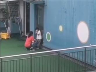 Nữ giáo viên mầm non đưa học sinh lên mái nhà tát tới tấp, trẻ khóc lóc xin tha vẫn không ngừng tay