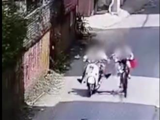 Nữ sinh 11 tuổi bị 3 cô gái đạp ngã, kéo lê trên đường, danh tính thủ phạm gây bức xúc