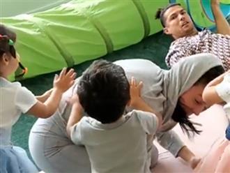 Cầu thủ giàu nhất thế giới bị 3 con xô ngã chổng vó để 'cứu mẹ'