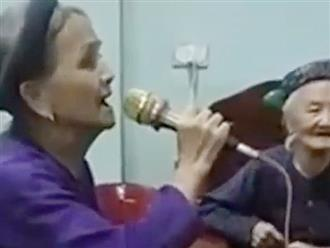 Cụ bà U90 hát karaoke đỉnh như ca sĩ khiến dân mạng trầm trồ