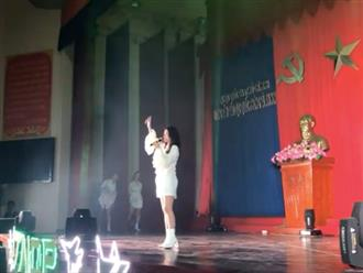 Đông Nhi vác bụng bầu nhảy cực sung trên sân khấu khiến fan đứng hình