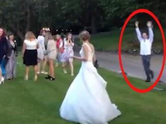 Những màn bắt hoa cưới khó đỡ nhất mọi thời đại