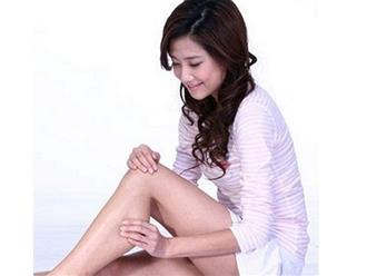 Cách massage giảm mỡ bắp chân hiệu quả tại nhà