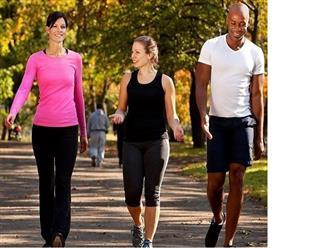 """""""Nằm lòng"""" tác dụng của đi bộ buổi sáng để sống vui, sống khỏe mỗi ngày"""