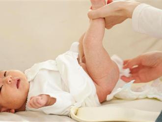 Bé sơ sinh 1 tháng tuổi đi ngoài ra bọt là dấu hiệu cảnh báo điều gì?