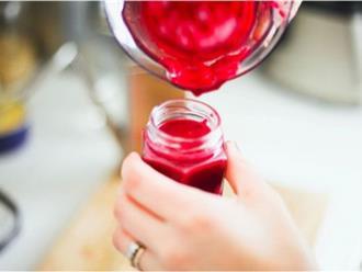 Cách làm son môi từ cà chua cực đơn giản tại nhà