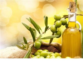 Cách sử dụng dầu oliu dưỡng da trắng sáng tự nhiên
