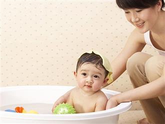 Lá tắm cho trẻ sơ sinh – Cách đơn giản giúp làn da bé mịn màng và hạn chế những vấn đề về da