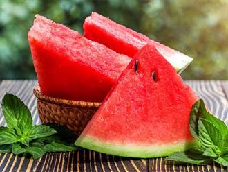 Sau sinh ăn dưa hấu được không? Những loại quả tốt cho bà đẻ