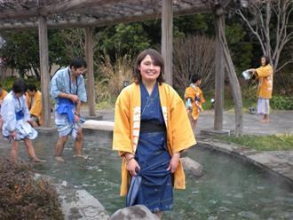 Hướng dẫn cách mặc Yukata truyền thống của Nhật Bản