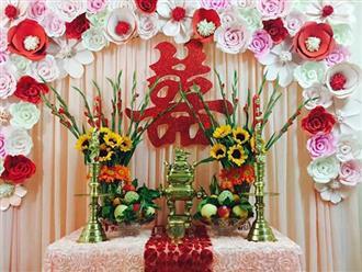 Cách cắm hoa bàn thờ gia tiên ngày cưới chuẩn phong tục người Việt