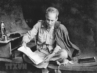 Tiểu sử Bác Hồ - Người anh hùng vĩ đại giải cứu dân tộc Việt Nam