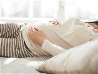 Tư thế nằm khi bị dọa sinh non mẹ bầu nên áp dụng giúp giảm nguy cơ sảy thai
