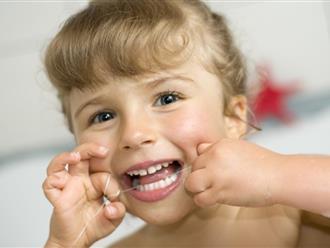 Làm sao khi thấy hiện tượng răng sữa mọc lệch ở trẻ nhỏ?