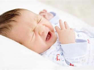 Khi trẻ bị nghẹt mũi khó thở khi ngủ phải xử lý thế nào?