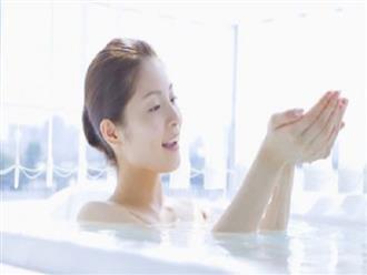 9 nguyên liệu thêm vào bồn tắm giúp giải quyết các vấn đề da