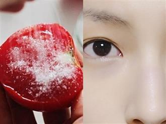 Chấm nửa quả cà chua vào đường rồi thoa đều lên mặt, da đen sạm, sần sùi cũng trở nên mềm mịn, trắng trẻo, cả đời chẳng cần mua thêm mỹ phẩm