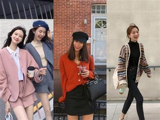 """Chưa lạnh hẳn nhưng áo len và cardigan đã rục rịch """"phủ kín"""" street style Châu Á tuần này"""