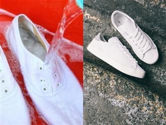 Hè đến, ai mê giày trắng mà không biết 8 mẹo làm sạch giày trắng tinh như mới chưa đến 3 phút thế này thì quá phí